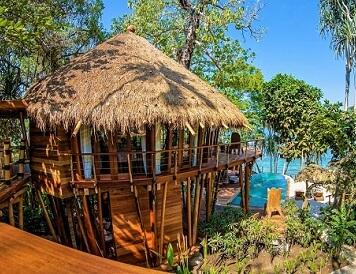 Indonezja, wyspa Sumba - Hotel Nihiwatu, Willa na drzewie Tree House
