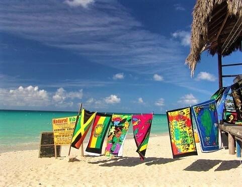 Plaża na Jamajce - słoneczna pogoda na Karaibach