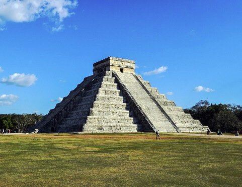 Świątynia, piramida w Meksyku