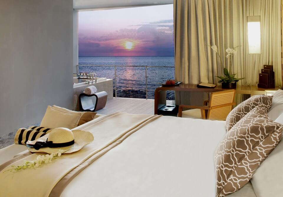 Indonezja, wyspa Bali - Hotel Anantara Uluwatu Bali, widok na ocean