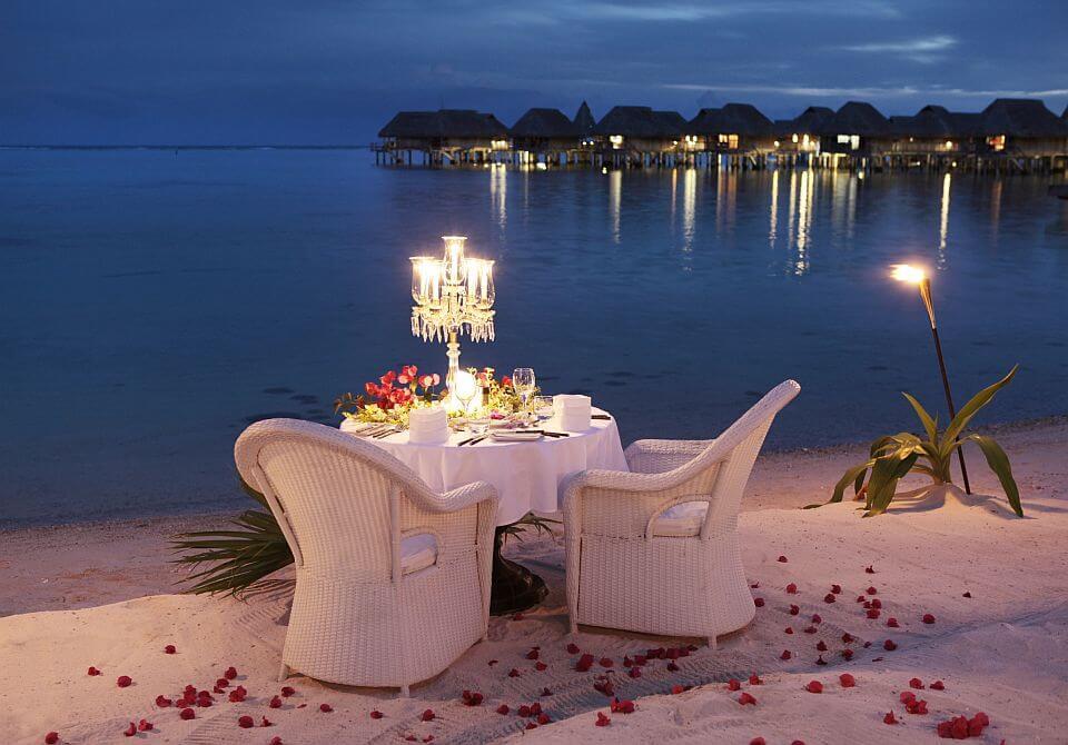 Polinezja Francuska, wyspa Moorea - Sofitel Moorea Ia Ora, romantyczna kolacja