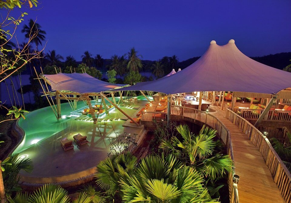 Azja, Tajlandia, Soneva Kiri - hotel i baseny nocą