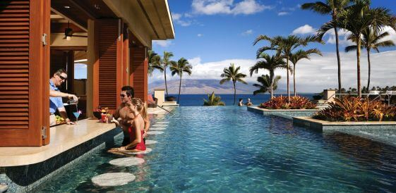 para przy barze Four Seasons Resort Maui at Wailea