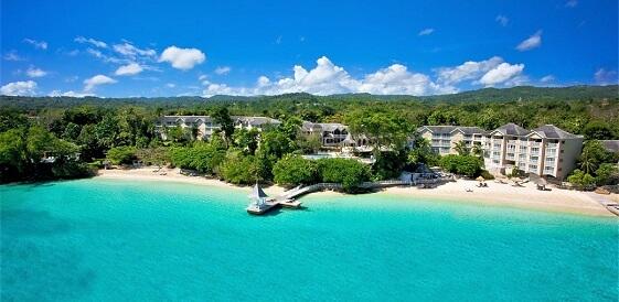 Widok na brzeg plaży - Jamajka