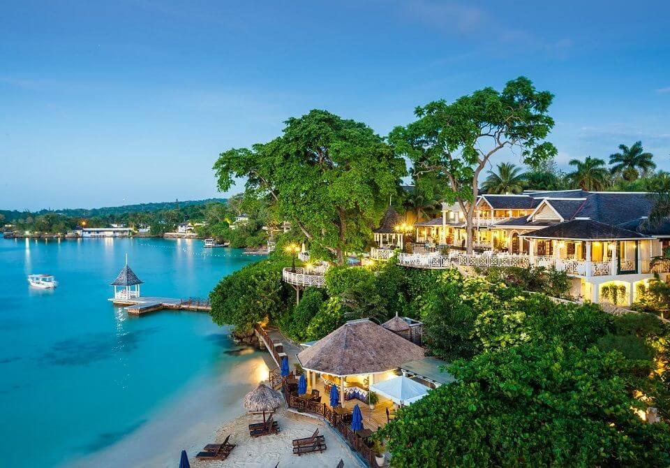 Widok na hotel Sandals Royal Plantation na Karaibach